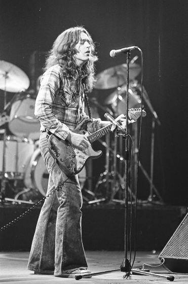 Rory Gallagher c1979 Manchester by Steve Smith (10)