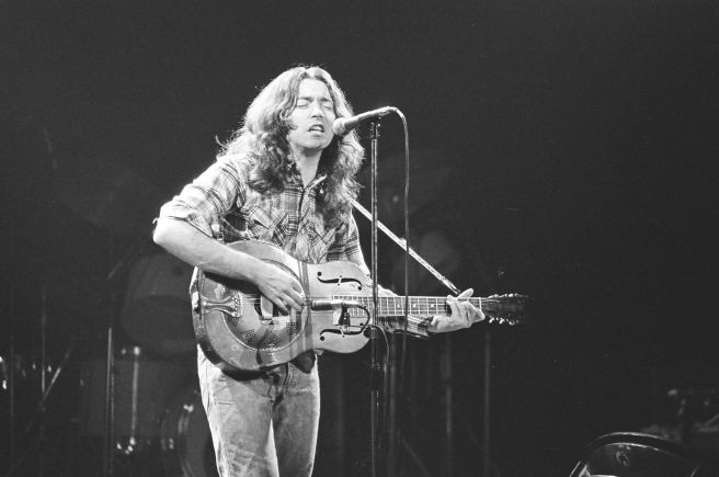 Rory Gallagher c1979 Manchester by Steve Smith (13)