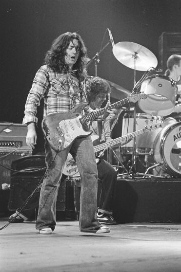 Rory Gallagher c1979 Manchester by Steve Smith (16)