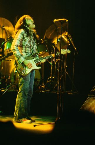 Rory Gallagher c1979 Manchester by Steve Smith (19)