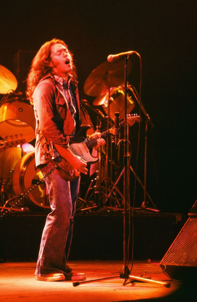 Rory Gallagher c1979 Manchester by Steve Smith (21)