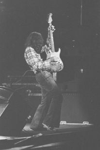 Rory Gallagher c1979 Manchester by Steve Smith (22)