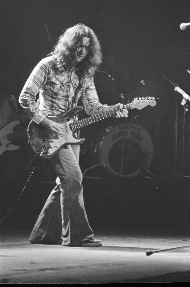 Rory Gallagher c1979 Manchester by Steve Smith (7)1