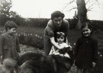 1947 Anne Fleischmann with Neil, Anne, Ruth, Oileán Ruadh