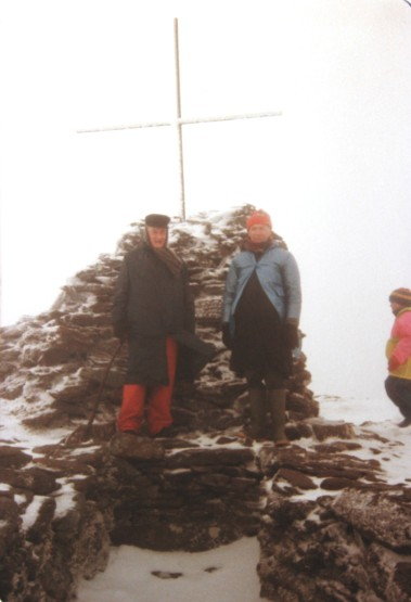 1990 04 13 Summit Mt. Brandon John A Murphy & Fleischmann on his 80th birthday